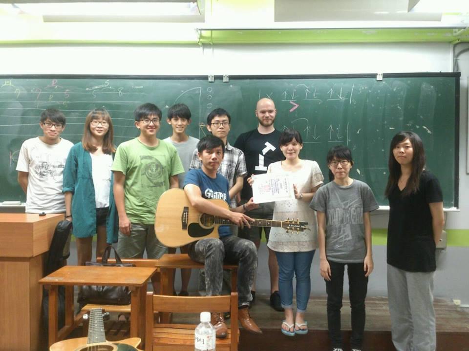 吉他社木吉他初級班畢業